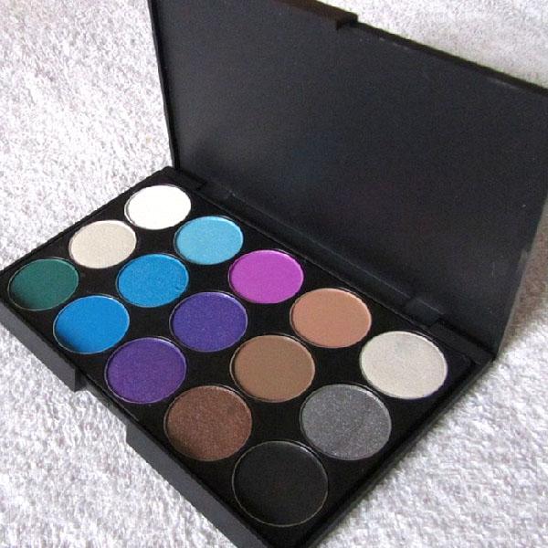 palette yeux 15 couleurs gris bronze irises mattes nude marron smoky eyes fards paupieres. Black Bedroom Furniture Sets. Home Design Ideas